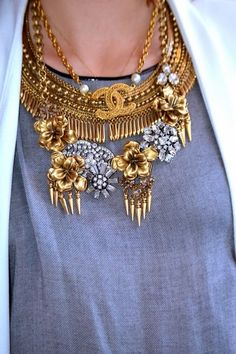 Love this mixture of necklaces! Vintage Chanel paired with Stella & Dot Tansy Fringe and Georgie Statement Necklaces. #stelladot http:...