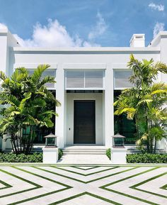 A sleek new house for West Palm Beach. Beach Landscape, Landscape Design, Garden Design, House Design, Modern Architecture House, Architecture Collage, Dream House Exterior, Modern Landscaping, Booth Design