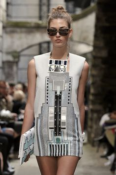 Futuristic lines, robot, cyborg, sexy, costume, metallic, silver, dress, future http://24.media.tumblr.com/tumblr_mak76o2pWD1rtnrbko1_400.jpg