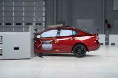 Американцы назвали самый безопасный автомобиль компакт-класса