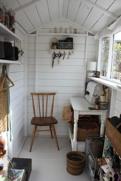 . There is someone coming to take some photos of my shed this week, so, I realised i might need to tidy it up a bit. Then i remembered that...