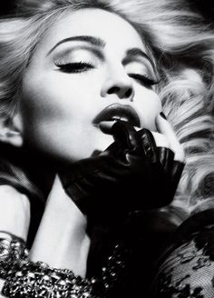 my virtual archive: madonna interview magazine mert and marcus Black White Photos, Black And White Photography, Madonna Looks, Lady Madonna, Madona, La Madone, Madonna Photos, Actrices Hollywood, Chiaroscuro