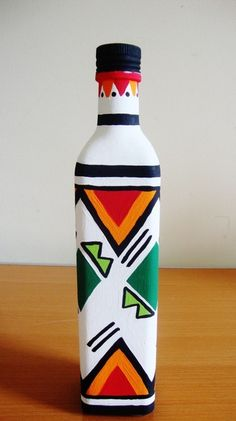 African Print Inspired Green Diamond Hand Painted Bottle – ON SALE African Print Inspired Green Diamond Hand Painted Bottle – … Painted Glass Bottles, Glass Bottle Crafts, Wine Bottle Art, Decorated Bottles, Glass Painting Designs, Pottery Painting Designs, Art N Craft, Bottle Painting, Green Diamond