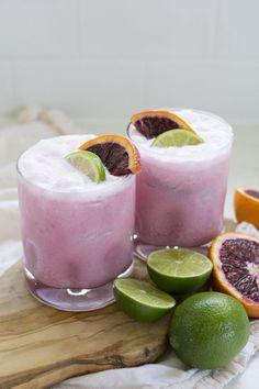 Coconut and blood orange margaritas / 2 oz silver tequila 2 oz blood orange juice oz creme de coco 1 oz lime juice, or more to taste blood orange slices, for garnish lime slices, for garnish Pink Cocktails, Fancy Drinks, Summer Drinks, Cocktail Drinks, Cocktail Recipes, Margarita Recipes, Dinner Recipes, Sweet Cocktails, Summer Drink Recipes