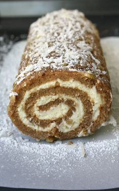 Apple Cake Roll is a moist spiced apple cake rolled in coconut, powdered sugar and pecans and filled with a sweetened cream cheese mixture. Cake Roll Recipes, Cupcake Recipes, Cupcake Cakes, Dessert Recipes, Köstliche Desserts, Delicious Desserts, Yummy Food, Plated Desserts, Apple Recipes
