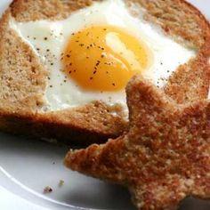 egg IN toast! that will make kids eat breakfast for sure! Breakfast Desayunos, Breakfast Recipes, Breakfast Ideas, Breakfast Healthy, Snacks, Food Humor, Creative Food, Kids Meals, Love Food