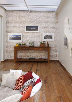 Uma decoração para relaxar. Veja mais:http://casadevalentina.com.br/projetos/detalhes/para-relaxar-e-recordar-563 #details #interior #design #decoracao #detalhes #decor #home #casa #design #idea #ideia #charm #charme #casadevalentina