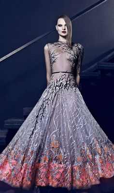 The Lebanese designer Nicolas Jebran inspires women to be bold and edgy, while keeping their elegance and sophistication at the same time. Take a look at pictures of Nicolas Jebran Fall/Winter Haute Couture on Arabia Weddings. Couture Mode, Style Couture, Gareth Pugh, Lela Rose, Tracy Reese, Cynthia Rowley, Beautiful Gowns, Beautiful Outfits, Charlotte Ronson