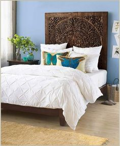 amazing carved headboard]