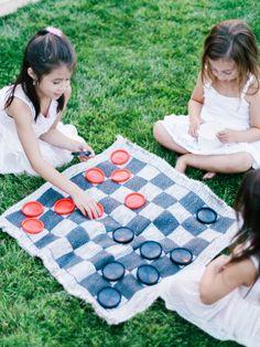 giant checkers - Kids corner
