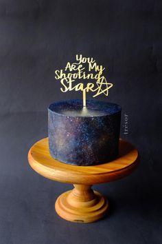Shooting+Star+-+Cake+by+Trésor+Cakes+