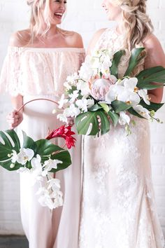 tropical bridal bouquet with philodendron - floral hoop for bridesmaids instead of a bouquet = wedding dress style Flora by Blue Willow Bride