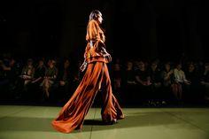 Balmain Primavera 2017 Ready-to-Wear ambiente y desinteresadas Fotos - Vogue