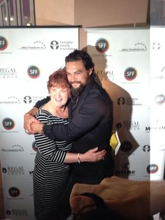 @prideofgypsies Jason Momoa & his Mother here for the debut of his film ROAD TO PALOMA #MySFF2014 pic.twitter.com/9hHpHOOho2