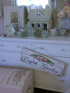 Shabby Chic Hand Painted  (cr....I would like to paint a sign and do a pretty trunk)