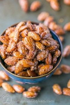 These spicy, roasted almonds with honey and raw sugar are addictive. This recipe is the best we've tried and we think you'll agree. Easy and not too sticky. Honey Roasted Almonds, Roasted Nuts, Raw Almonds, Candied Almonds, How To Roast Almonds, Pecans, Nut Recipes, Honey Recipes, Recipes