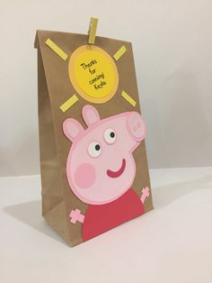 Peppa Pig party bags, peppa pig party, peppa pig party decoration, peppa pig sacks, peppa pig bags - This is a handmade Party bag to put favors inside. The bag design is inspired by the Peppa pig cart - Peppa E George, George Pig Party, Fiestas Peppa Pig, Cumple Peppa Pig, Peppa Pig Pinata, Pig Birthday Cakes, 3rd Birthday, Peppa Pig Cartoon, Pochette Surprise