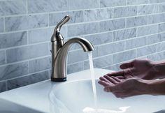 Tisztelt Látogató, amennyiben mosogató vagy mosdó csaptelepet szeretne beszereltetni vagy csak a meghibásodott csaptelepet megjavíttatni, hívjon és segítünk. Vállaljuk, hagyományos, gombos egykaros és termosztátos csaptelepek cseréjét. Igény esetén a mosogató tálca és a mosdó felszerelésében is segítünk. A csaptelep beépítésén kívül a mosogató és mosdó szifon beszerelését és átalakítását is vállaljuk.  #vízvezetékszerelő #vízvezetékszerelés