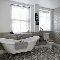 Bathroom with roll-top bath and patterned floor tiles Grey Bathrooms, Small Bathroom, Modern Bathroom, Master Bathroom, Bathroom Ideas, Bathroom Vinyl, Downstairs Bathroom, Bathroom Layout, White Bathroom
