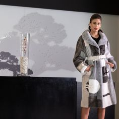 Explore the latest SARIGIANNI collection of real fur coats and bags. Modern & elegant mink coats, shearling jackets, fur-trimmed cashmere coats and more. Shearling Jacket, Fur Coat, Cashmere Coat, Fur Fashion, Elegant, Collections, Classy, Fur Coats, Chic