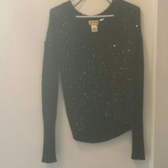 Sequined Black V-neck Sweater Mudd sequined black sweater. Never worn, but no tags. Light piling, but gives the sweater a gentle distressed vibe. Hem is slightly longer in the back. Size medium. Mudd Sweaters V-Necks