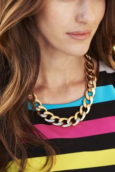 A collage of smooth links comes together in this necklace for a look that can be dressed up or down.