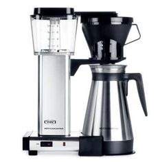 The Technivorm Moccamaster can be considered the world's best automatic home drip coffee brewer. This is not your ordinary coffee brewer. Hand built in The Thermal Coffee Maker, Best Drip Coffee Maker, Coffee Maker Machine, Coffee Machines, Coffee Snobs, Decaf Coffee, Coffee Drinks, Coffee Cups, Nitro Coffee