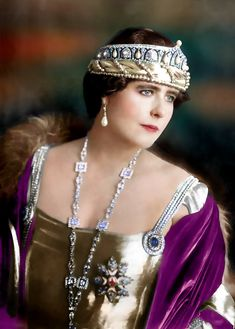 Queen Marie of Romania Romanian Royal Family, Royal Blood, Royal Jewelry, Kaiser, Tiaras And Crowns, Crown Jewels, Women In History, Queen Victoria, King Queen