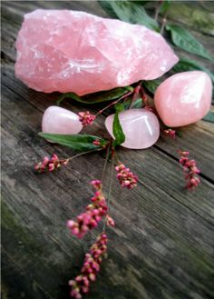How to use rose quartz for healing and good feng shui http://fengshui.about.com/od/Crystals/qt/Rose-Quartz-Use-Feng-Shui-Healing.htm