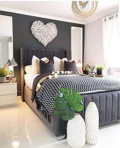 Interior Design Career, Interior Decorating Styles, Home Interior, Interior Ideas, Decorating Ideas, Master Bedroom Design, Home Decor Bedroom, Bedroom Wall, Bedroom Ideas