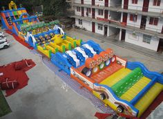 Floating water park and Inflatable Water Park Designer! We build a True Inflatable Water Slide! Give us your Custom Inflatable water park plan. Inflatable Obstacle Course, Inflatable Water Park, Water Playground, Backyard Playground, Pool Toys For Kids, Backyard Water Parks, Bouncy House, Pool Floats, Water Toys