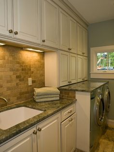 Staging to sell - Neutral tones, chic lighting, granite countertops and a great stone backsplash! Laundry Room Design, Laundry Rooms, Mud Rooms, Laundry Area, Small Laundry, Laundry Center, Basement Laundry, Bathroom Laundry, New England Cottage