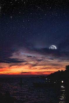 Sunset-moonrise overlap in Aruba.