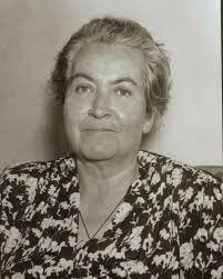 #UNDIACOMOHOY Hace 58 años, el 10 de Enero de 1957. MUERE GABRIELA MISTRAL.