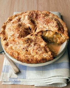 Tis Apple Season/ Apple Cheddar Crusted Pie