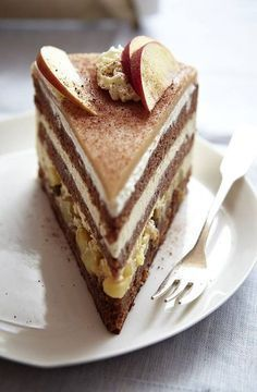 The recipe for winter apple cake and other free recipes on LECKER.de The recipe for winter apple cake and other free recipes on LECKER. Apple Pie Recipes, Cake Recipes, Dessert Recipes, Dessert Food, Torte Au Chocolat, Flaky Pastry, Tasty, Yummy Food, Mince Pies