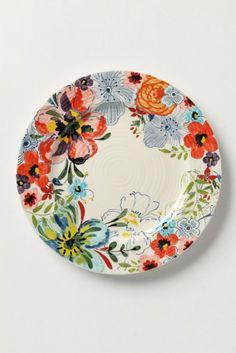 How perfect are these plates for an outdoor dinner party?