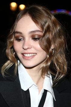 Lily Rose Depp Wavy Medium Brown Pin Curls Hairstyle | Steal Her Style