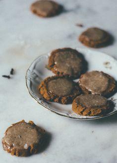 cinnamon glazed pumpkin spice cookies | itsmecharlotte.com