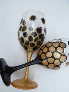 Wine Glass black and gold