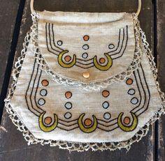 Antique 1900 Mission Arts & Craft Stylized Stickley Ecru Linen Embroidered Purse