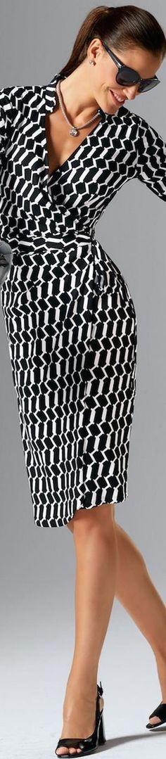 Great wrap dress. I really like wrap dresses, they are very flattering and comfortable for work. Thus pattern is cute.