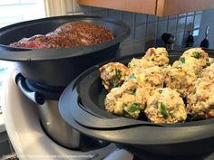 Semmelknödel (Bread Dumplings)