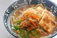 Asian Women For Health – Vegan Ramen Vegan Soup, Vegan Vegetarian, Asian, Vegan Recipes, Vegan Foods, Thai Red Curry, Noodles, Health, Ethnic Recipes