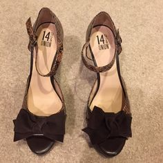 14th & Union High Heels Camel/Black Snake Print Heels. BRAND NEW! Still with tag. Cute bow on the front. Wear it with skinny jeans or a cute short dress! 14th & Union Shoes Heels