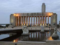 Monumento a la Bandera es el Monumento Nacional a la Bandera. Este lugar es muy respetado.Mi ciudad querida Rosario.