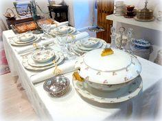 Mesas vintage chic para navidad (y 2). Porcelana antigua