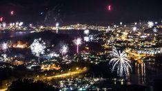 I kveld skal det feires, et nytt år kommer.  Rakettene fyres og lysene flommer.  Men pass nå på, vær klok og forsiktig.  Ta vare på hverandre og håndter fyrverkeriet riktig.  Tenk på dem som er litt skvetten   og ikke så glad i smell fra raketten.  Godt nytt år ønskes alle