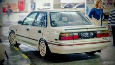 One Stop Classic Car News & Tips – Worldwide classic cars. Corolla Twincam, Toyota Corolla, Retro Cars, Vintage Cars, Bentley Mulsanne, Classy Cars, Mini Trucks, Japanese Cars, Car Painting