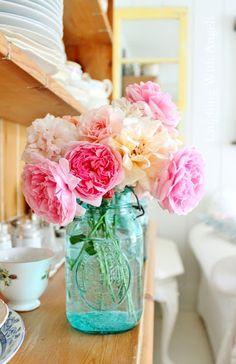 New Birthday Flowers Bouquet Spring Mason Jars Ideas Pink Mason Jars, Vintage Mason Jars, Mason Jar Flowers, Flower Vases, Cactus Flower, Simple Flowers, Fake Flowers, Pink Flowers, Beautiful Flowers